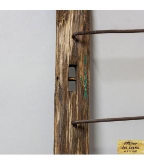 Scaletta Rivisitata in legno di castagno recuperato