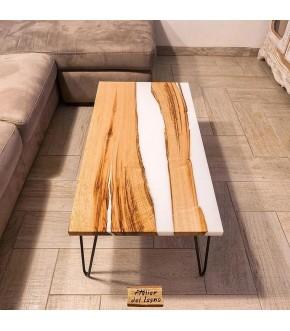 Tavolino da caffè in legno di castagno antico e resina bianca concentrata