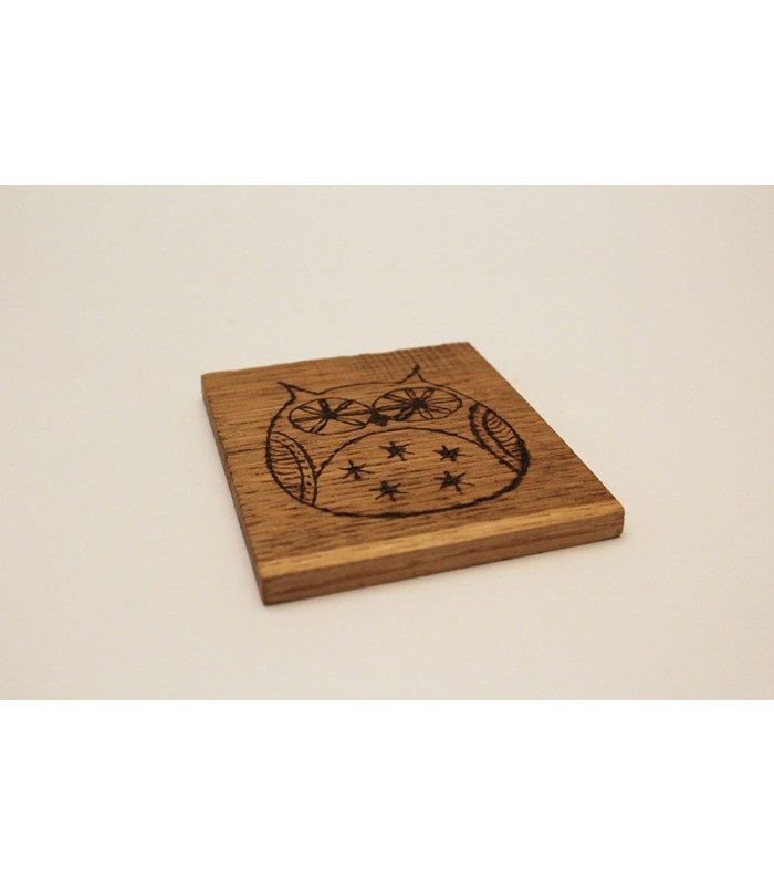 Sottobicchiere in legno personalizzabile.