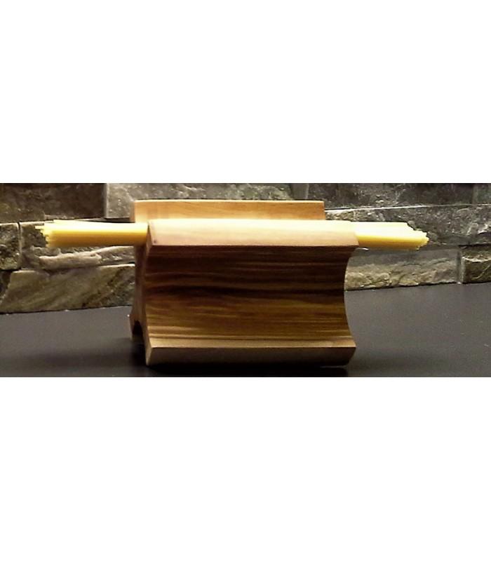 Dosatore spaghetti in legno d'ulivo.