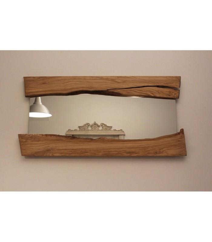 Specchio in legno d'ulivo.